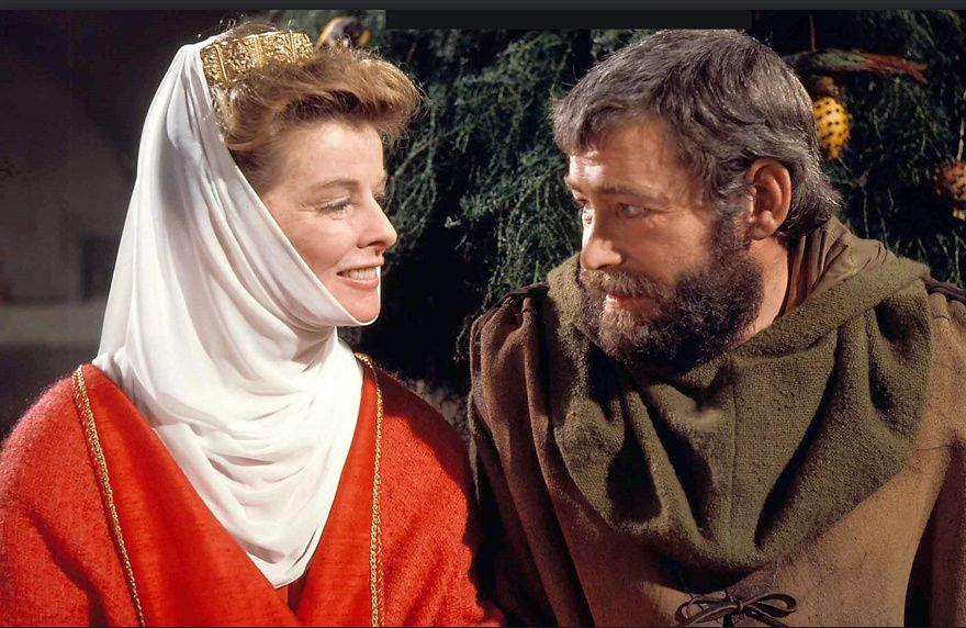 Peter O'Toole and Katherine Hepburn starred in the film The Lion in Winter, parts of which were set in our French Cottages village of Chinon