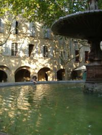 Many people love the central Place Aux Herbes in Uzès Provence. You can visit it every day when you stay with French Cottages