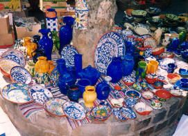 There are many places to buy your pottery in Uzès such as the Saturday morning market