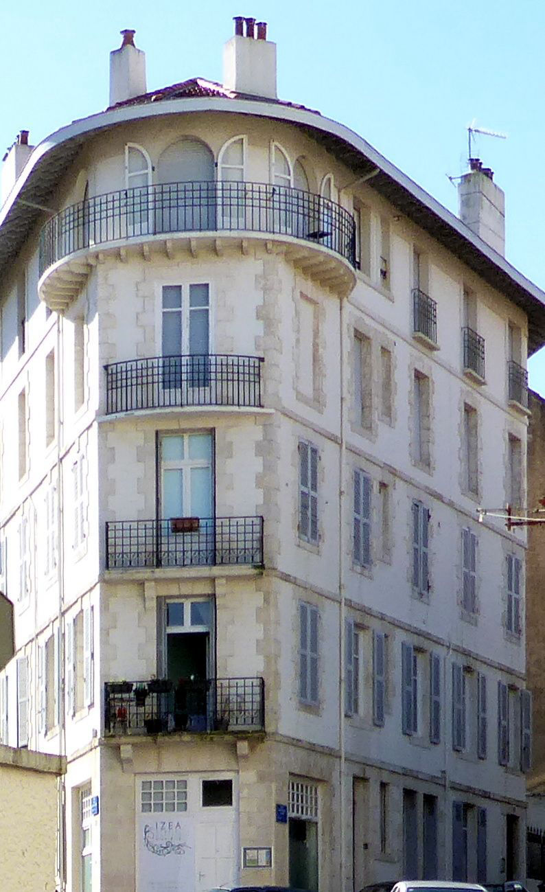 French Cottages L'Escale Apartment Basque Pyrenees at Biarritz